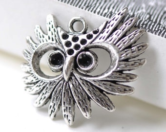 10 pcs of Antique Silver Filigree Owl Pendants Charms 26x29mm A4158
