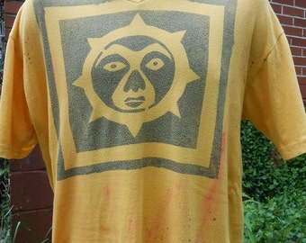 Rare One of a Kind Men's Yellow Sun Tee Shirt in M
