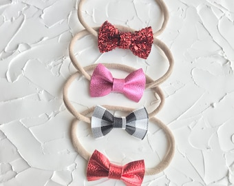 Isa Bow. Small Bow. Leather bow. Glitter bow. Headband or clip.