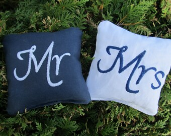 Wedding Mr and Mrs Cornhole Game Bags - Mr & Mrs - Set of 8 Shown in Navy Blue and White