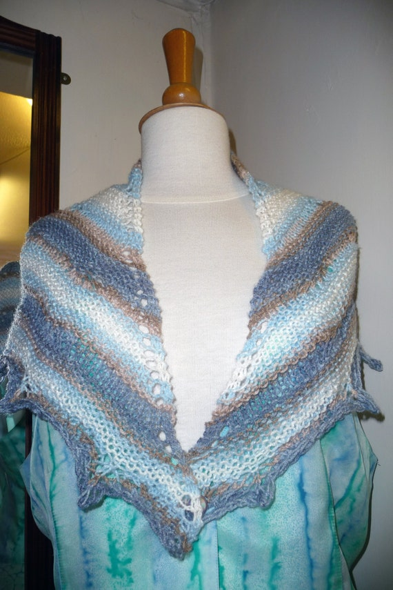 Handknitted Shawlette in Blue and White