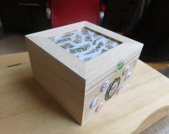 3 square wooden box