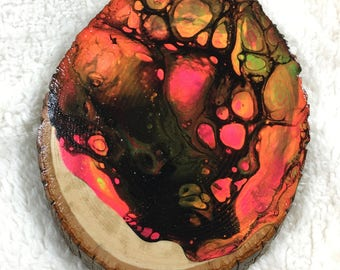 Raw-Edge Wood Dirty Pour Acrylic Circle