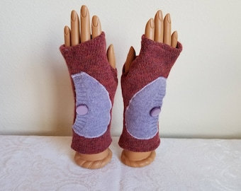 Side Pocket Fingerless Gloves in Red Lambswool with Lavender Pockets
