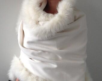 Trendy stylish creative design Coats Palantines Bolero Fur arctic fox