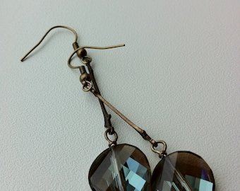 Agnes earring in crystal and brass