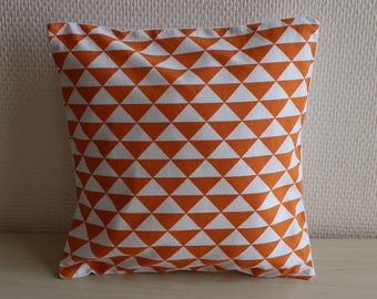cushion pattern triangles - 24 x 24 cm