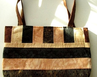 Three pocket tote bag