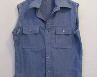 A Men's Vintage 70's,Sleeveless Blue DENIM Hippie era Shirt By LEVI'S Pantela.L(42R)