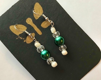 Green, White, and Clear Drop Earrings, Green White Beaded earrings, Green White Earrings, White Green earrings, drop earrings, forest green