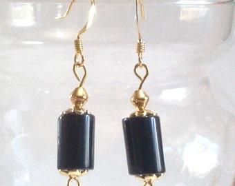 Tube de Pierre noir perle boucles d'oreilles avec celles, bijoux noir et or