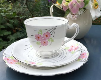 Vintage 1930s teacup - Art Deco china teacup trio  - vintage hand painted pink and silver teacup - vintage Mothers Day gift