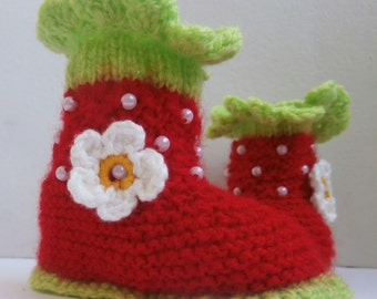 Strawberry Booties - Baby Booties  - Baby Shoes - Red Baby Booties - Red Baby Shoes - Baby Girl Gift - Baby Shower Gift - Newborn Booties