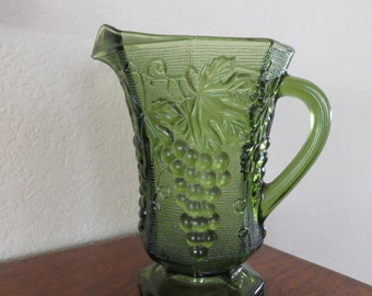 Vintage Green Anchor Hocking Harvest Grape Pattern Pitcher-free shipping USA