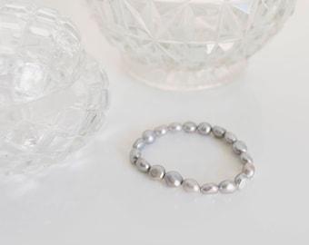 SALE - 9.5-10mm Light Grey Biwa Pearl Elastic Bracelet
