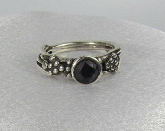 Item 174- Handcrafted, sculpted, carved  999 Fine and 925 Sterling Silver Ring with Round Black Checkerboard CZ Size 9.5