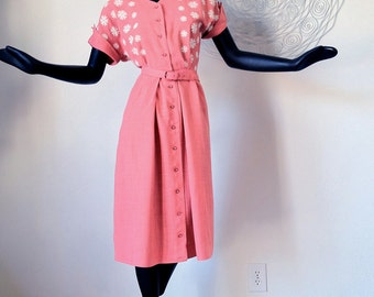 Rockabilly 1950s Day Dress Pink Embroidered Flower Bodice Vintage 50s Bombshell Swing Dance VLV Belted Rhinestone Buttons Size 14 Medium