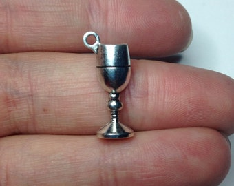 7 wine goblet charms - antique silver plated, unique charms for jewelry making, drink charms, charms for bracelet, wine charms