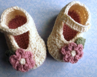 crochet baby shoes crochet Mary Janes; cream baby shoes, baby girl shoes baby booties,3-6 mth size, ready to ship, uk seller