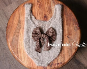 PDF Knitting PATTERN -  Baby girl bodysuit and tieback. Size 5-6 months Knitted with straight needles. Written in US terms.