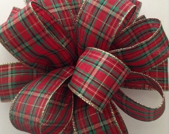 Christmas Tree Topper / Christmas Plaid Bow / Decorative Round Fluffy Bow / Classic Tree Topper / Handmade and Design in Wired Plaid Ribbon