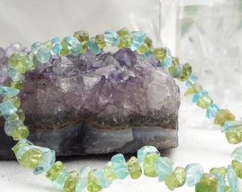Kyanite and Peridot Gemstone Stretch Beaded Bracelet