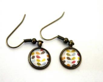 """""""Scandinavian flower"""" cabochon earrings - retro bronze brass"""