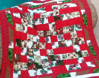 Modern Christmas Lap Quilt, Holiday Blanket, Red and Green Quilt 2017