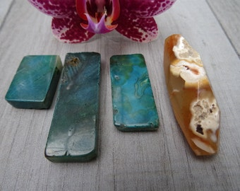 Set of 4 natural stones. Chrysocolla and Agate.