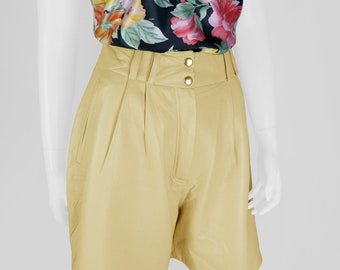 Vintage leather shorts with high waist 40