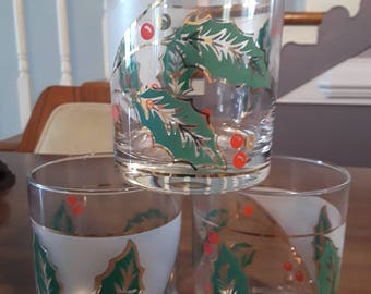 Culver Christmas Holly and Berry Glasses Vintage Barware Three Glasses Very Good Condition
