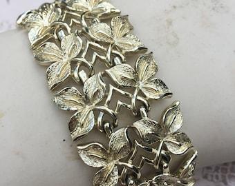 Vintage Coro Pegasus Extra Wide Link Leaf Bracelet, Mid Century Estate Jewelry, 1950s