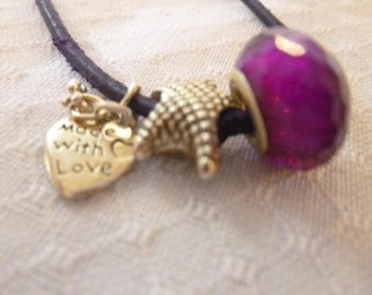 Dreamlike necklace with glass bead and pendant