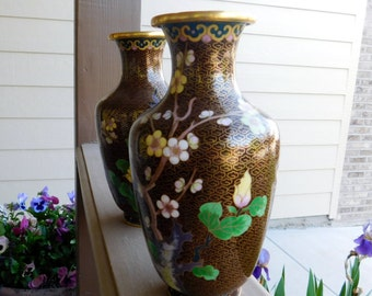 Chinese Style - Modern Vases - Stunning and Beautiful Pattern and Detail with Gold Trim, Brown Base, and Flower Design - Hand painted