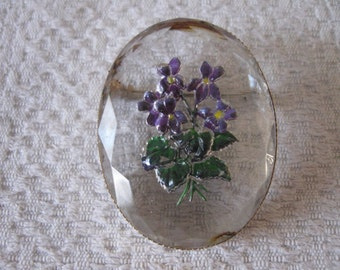 Vintage Reverse Painted Intaglio Faceted Glass Floral Oval Gold Tone Pin Brooch Pansies  Purple Flowers Bouquet