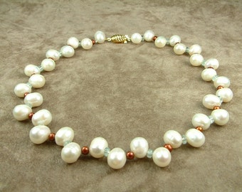 White Pearl Necklace 10 - 11 mm with Aquamarine (Κολιέ με Λευκά Μαργαριτάρια 10 - 11 mm και Ακουαμαρίν)