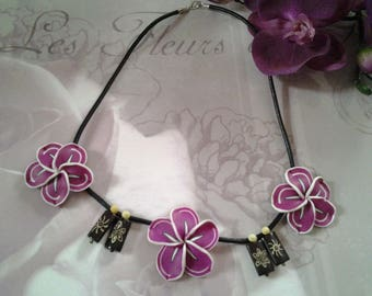 Necklace big flower tiara and wooden beads