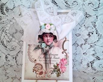 Lovely Victorian Lady Keepsake Hanky Card