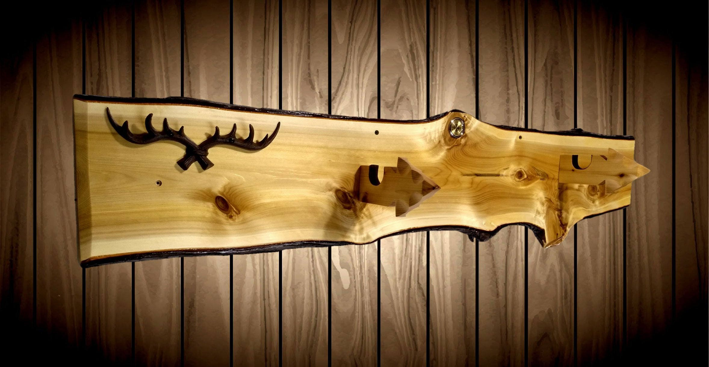 Rustic Gun Rack Knotty Cedar Arrowhead Hangers Cast Iron Antler Key ...