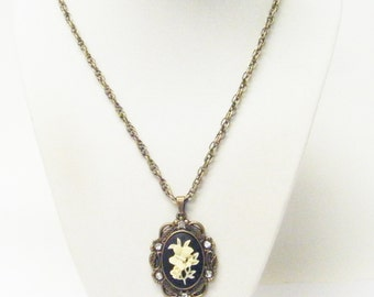 Oval Antique Bronze Bezel w/Flower Cameo Necklace