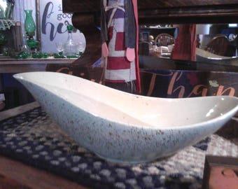 Vintage Hull pottery USA number 152