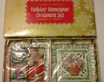 Vintage Holiday Homespun Ornament Set