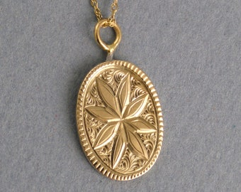 Vintage Turn of the 19th Century Oval Pendant with Star Pattern (A1982)