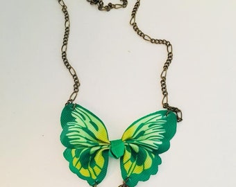 Necklace mid-length Butterfly very 60's