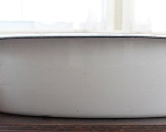 Vintage Distressed White Enamel Basin with Black Trim // Wash Bin // Rustic Farm House // Bucket // Wine Cooler