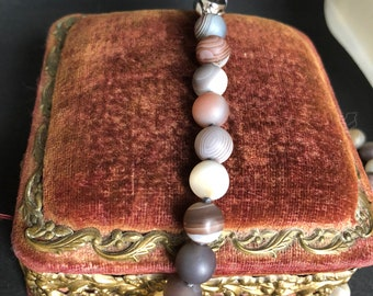 Beautiful Natural Frosted Agate Bead Necklace