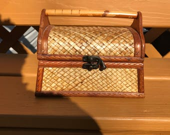 Vintage Wooden Box Keepsake Basket Weave Shabby Chic Storage Jewelry Box Vanity Box