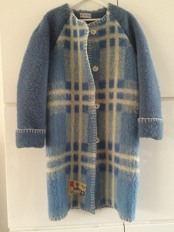 Handmade coat blanket coat jacket dekenjas, made of a vintage blanket, size M