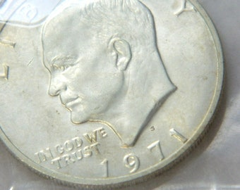 1971 EISENHOWER 40%  UNCIRCULATED  Silver Dollar Collectible Coin