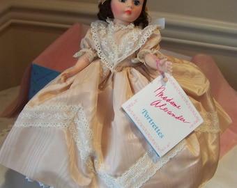 Claudette 1123 1988 Madame Alexander 10 in doll